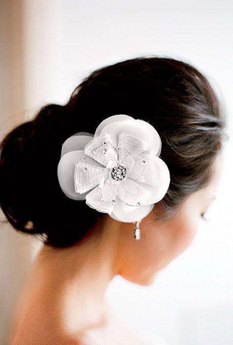 Love this Vera Wang hair clip. Photo by Lisa Lefkowitz.