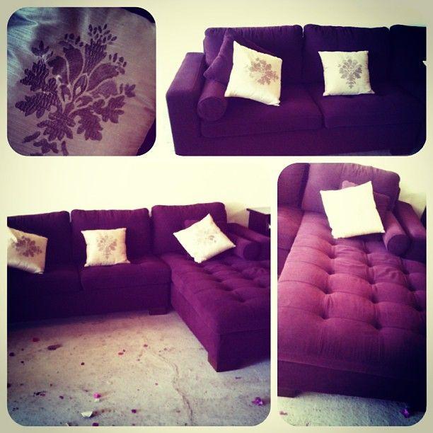 للبيع جلسة L لون بنفسجي بحالة جدا ممتازة السعر 80 Bd Furniture Home Decor Sectional Couch