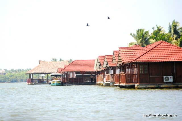 Poovar – A Dream Holiday Living on Water | http://lifestyleproblog.me/poovar-dream-holiday-living-water/