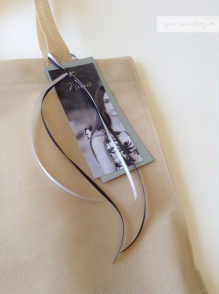 En bolsas ecológicas entregamos todos los productos de Your Own Story.   Esta presentación fue para el Libro de Firmas para el cumpleaños de 15 de Nina.  Encargá uno para vos en http://yourownstory.tiendanube.com/