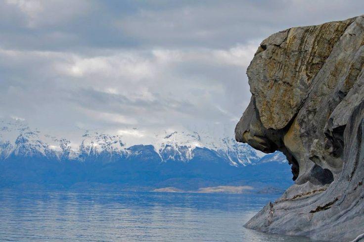 Capillas de mármol, Aysén, Chile #reflejos #lake #puertotranquilo #paisajes #chile #dog