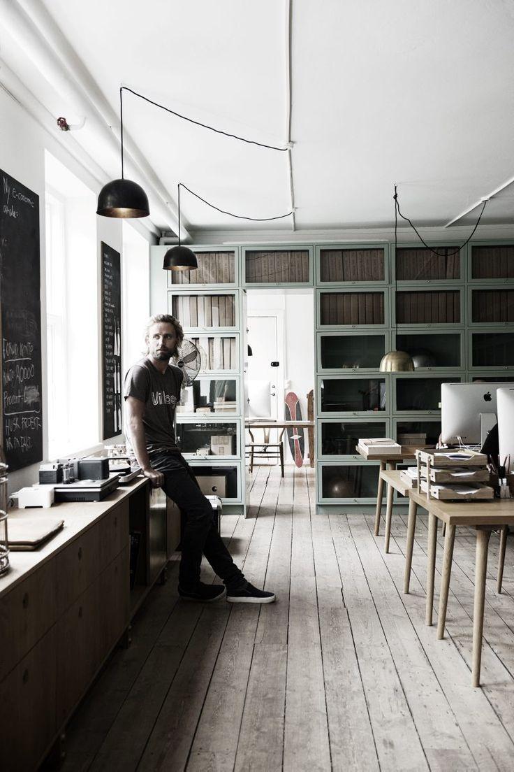 Kim Dolva startade Möbelsnickeriet för sju år sedan. Nu står kunderna i kö till hans lyxiga handgjorda kök.