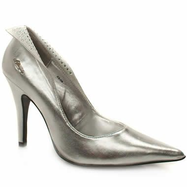 Morgan Tuqu Diamante Strut sexily in these beautiful pointed courts from Morgan De Toi. It has a leather upper with a metallic branding feature on the outside and an unusual fold over section on both sides. Stiletto heel  http://www.comparestoreprices.co.uk/womens-shoes/morgan-tuqu-diamante.asp