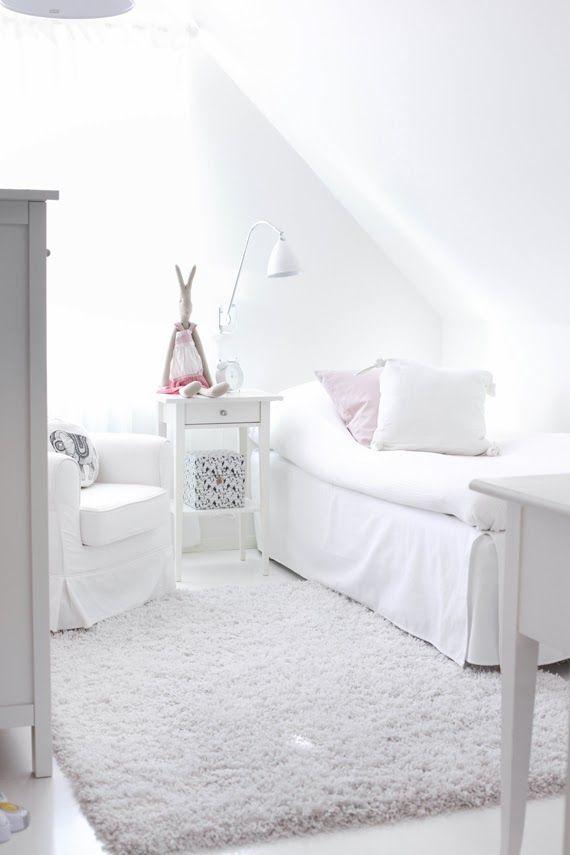 What a cute and cozy guest #bedroom. Or perfect for a reading or TV room. Bright and beautiful!
