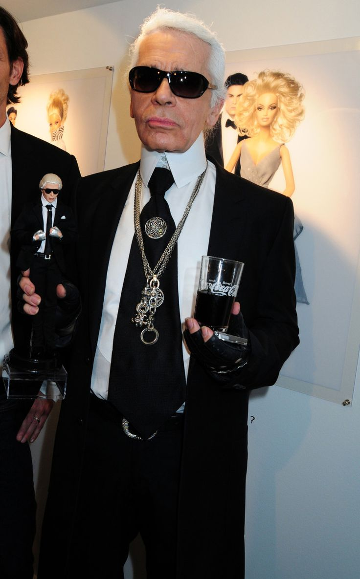 252 best images about karl lagerfeld on pinterest fendi ux ui designer and haute couture. Black Bedroom Furniture Sets. Home Design Ideas