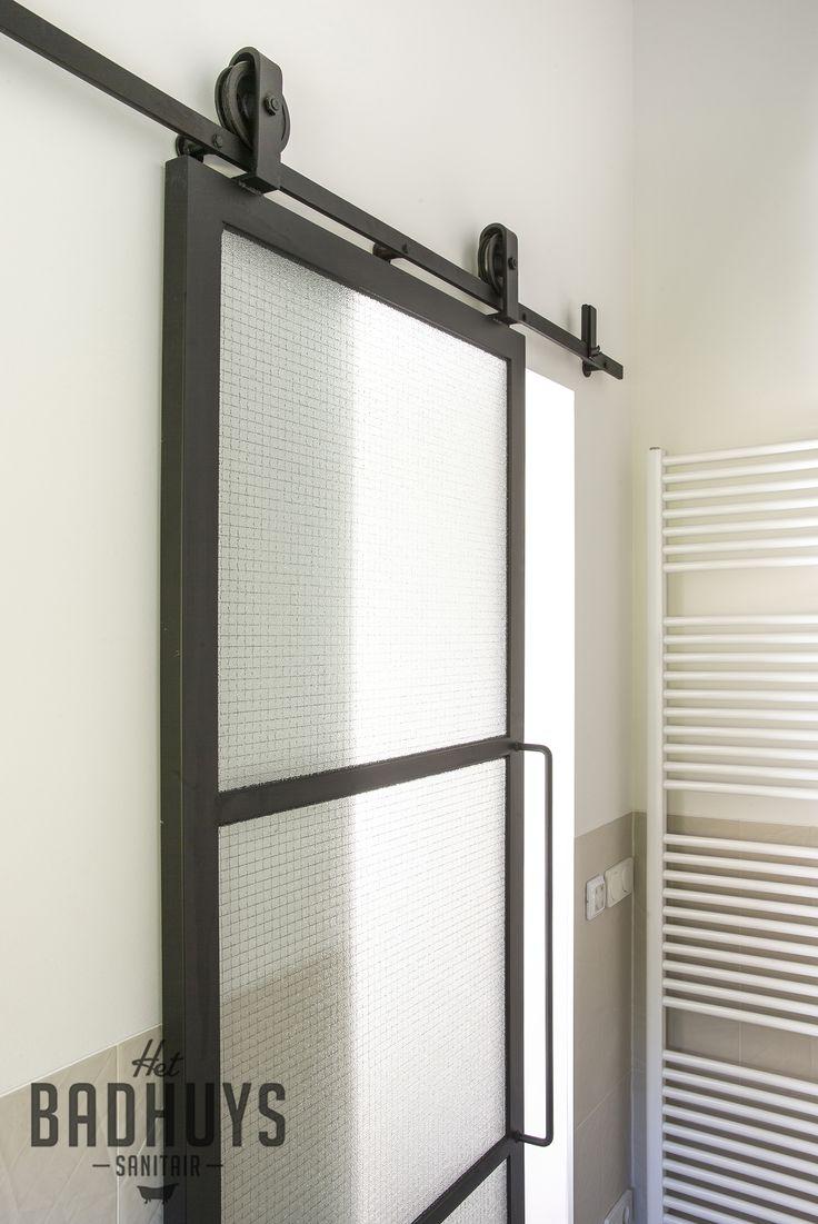 Meer dan 1000 idee n over schuifdeuren badkamer deuren op pinterest badkamer deuren kelde en - Mooie eigentijdse badkamer ...