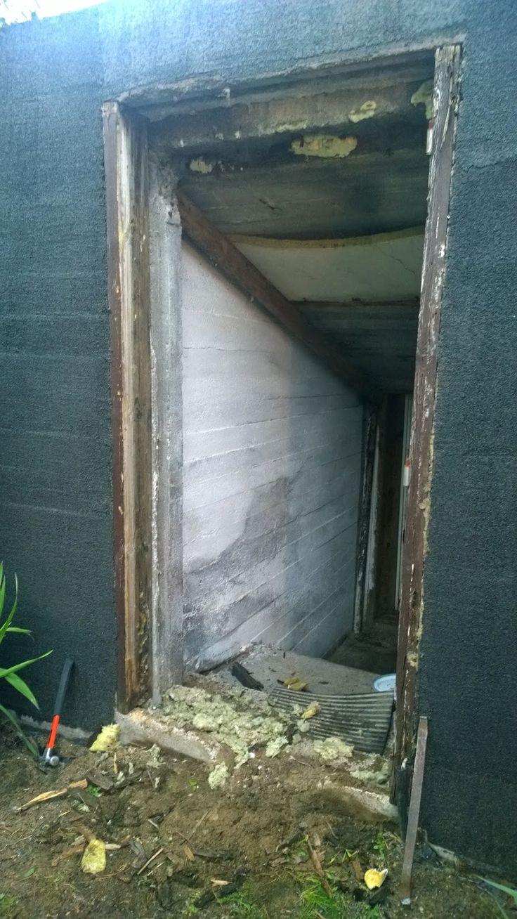 Räntsi 428.: Kellarin oviaukon tuunaus - uusi ovi.