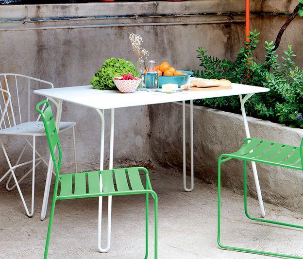 Fermob Surprising - Une table design et urbaine pour nos petits balcons... Surprising design Harald Guggenbichler