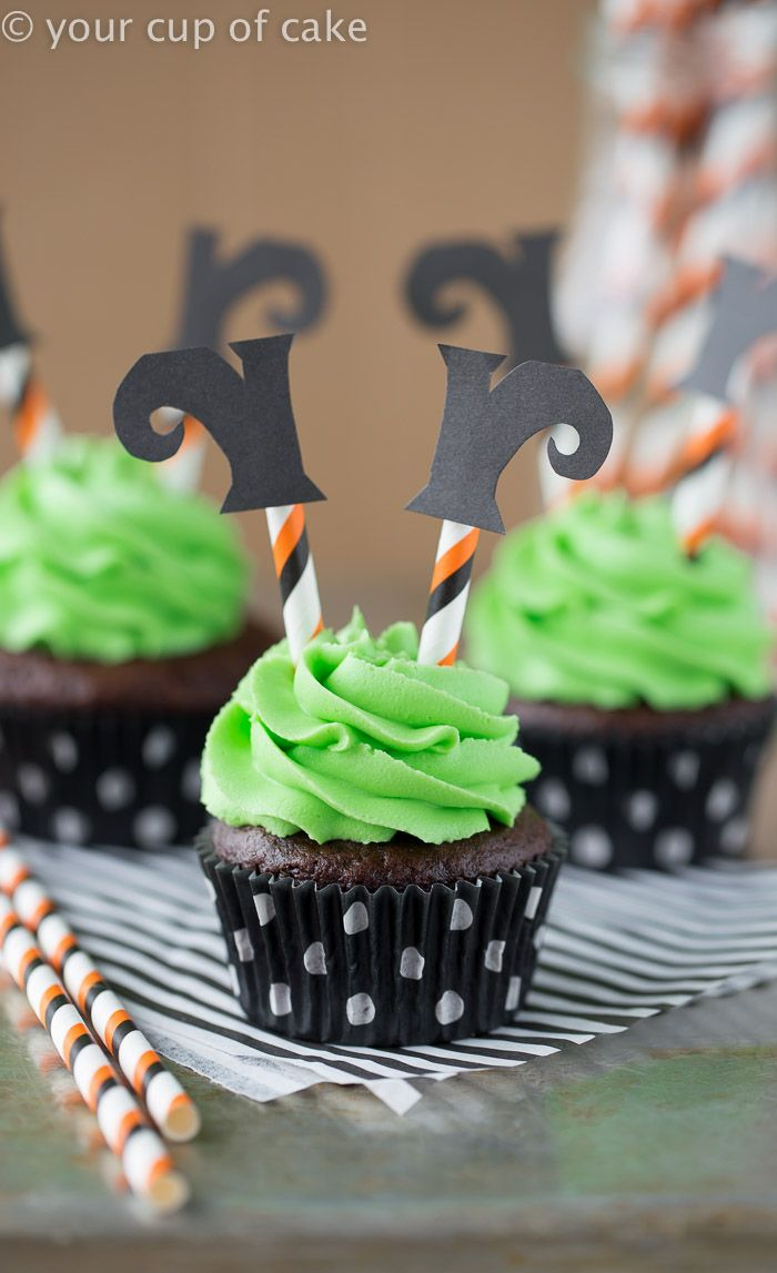 Wicked Witch Cupcakes! Love this! So fun for a Halloween party!
