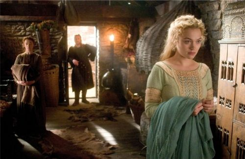 tristan and isolde costume patterns   Sophia Myles as Isolde in Tristan + Isolde (2006).