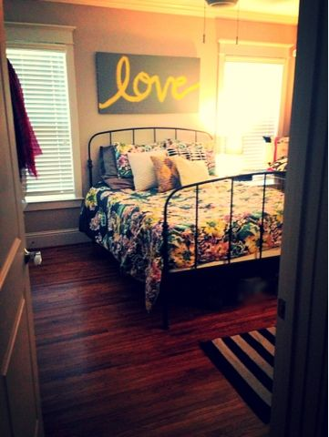 """Love the """"love"""" canvas. wanting to paint one to match my room over my bed. Maybe burgandy & black"""
