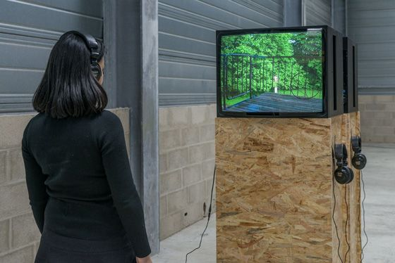 Kan Xuan, A happy girl, 2002, Video, 1'18''; Exhibition view 'Light', GALLERIA CONTINUA / Les Moulins, France, 2016. Photo by Oak Taylor-Smith.