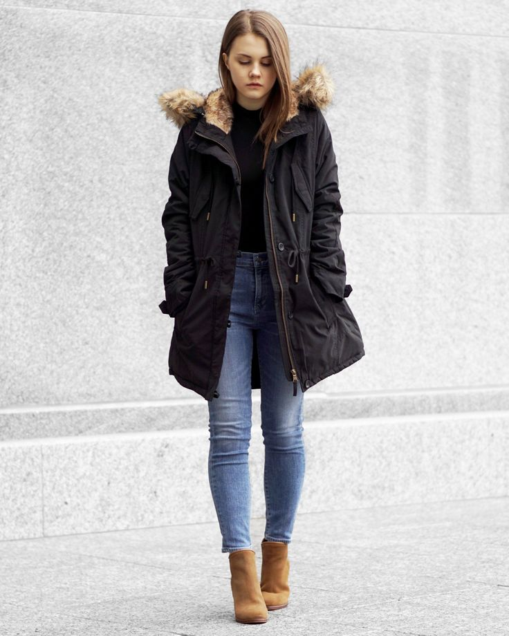 A Little Detail - Chic Winter Outfit // Parka // Winter Coat // Anorak // Black Coat // #winterfashion #parka #womensfashion #anorak #winteroutfit
