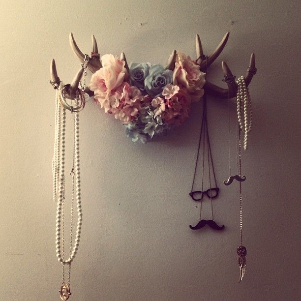 Antler jewelry holder inspired by A Beautiful Mess!