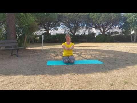 Défi du yoga en 60 jours. Bonus : cours débutant de 18 minutes - YouTube