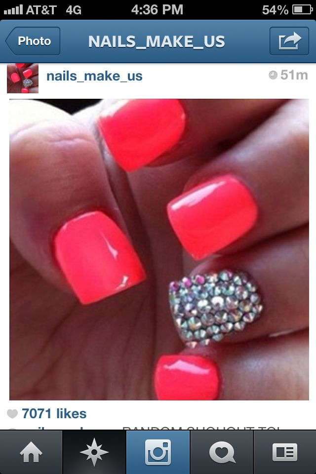 Prom nails.. mmhhmm Gurl. Too Cute.