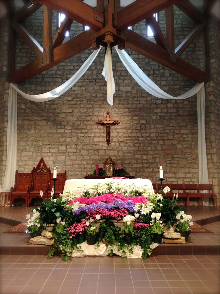 St. Joan of Arc Catholic Church, Powell OH, Easter decorations.