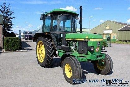 John Deere 2250 SG2 2WD - Tractor 2wd - Tractoren