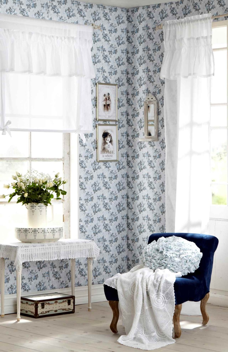 lovely styling / blue / wallpaper