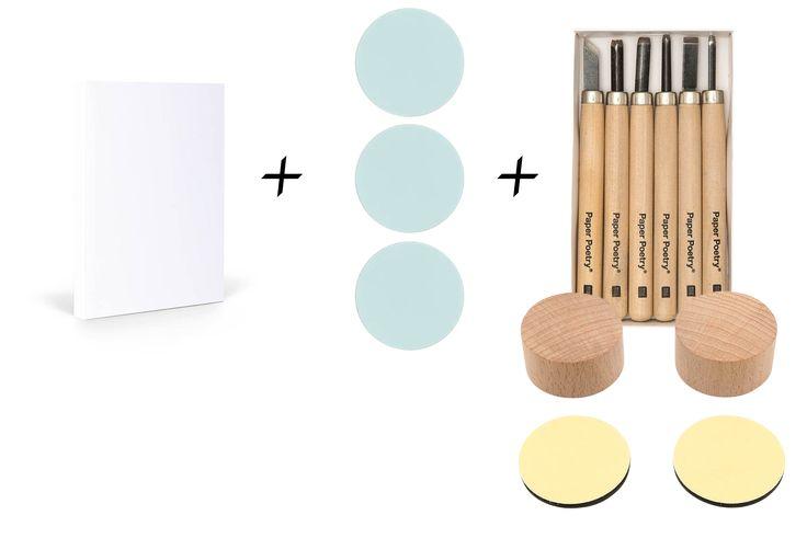 Unser Stempelbox- Set enthällt verschiedene Produkte zum selbst gestalten. Designt euer Gästebuch mit euren eigenen Initialien und verwendet diese auch für eure Restlichen Schilder, Einladungen etc. Unser Gästebuch und Stempelset ist das absolte Must have dieses Jahr.
