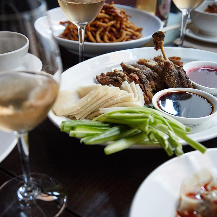 Setting up for our 'Sunday Long Lunch' - all-day dining from 12noon today. #billykwongpottspoint Sichuan Duck w Steamed Pancakes / Pork Dumplings / Wallaby Cakes w Kakadu Plum / Steamed Vegetable Dumplings / Stir-fried Organic Thick Noodles w XO / @rivarenogelatoaus - BK Macadamia Nut Gelato and Davidson's Plum Sorbet / #ProjectDraughtBeer collaboration w @twometretall @provenancegrowers / #ProjectWines collaboration w @tomshobbrook @sivintners @lucymargauxwines @mac_forbes_wines Bookings…