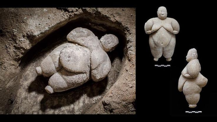 Çatalhöyük. Marble statue of a female. 17 centimeters high and weighs 1 kilogram. Excavated in 2016 .