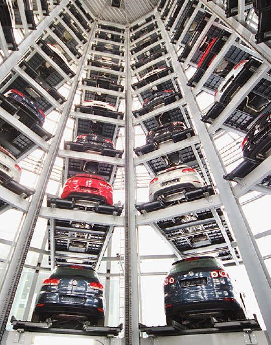 Volkswagen sięga po kredyt. Przez aferę spalinową. http://tvn24bis.pl/tech-moto,80/volkswagen-zamierza-zaciagnac-20-mld-euro-kredytow-pomostowych,599544.html