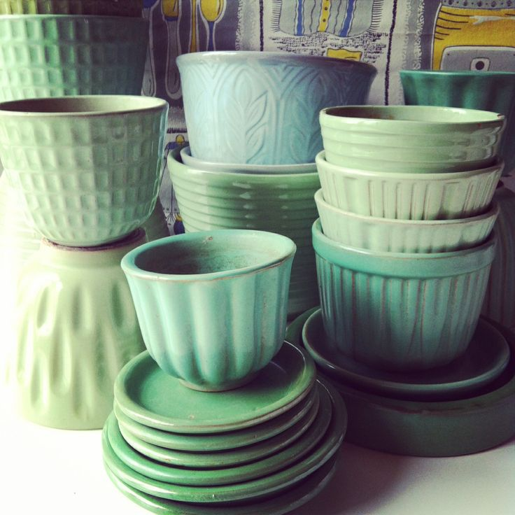 Nittsjö, Upsala Ekeby, Rörstrand and Gabriel pots - I´ve been collecting since I was a teenager - you can´t have too many... :o)