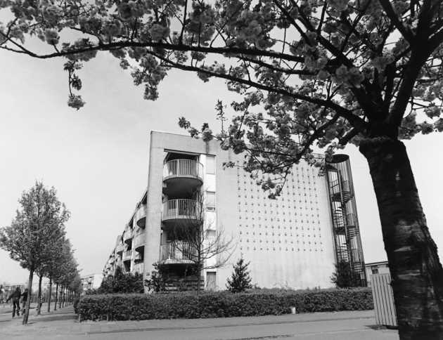 Ben Raayman, zonder titel (1991), Muziekwijk, Almere Stad. © Witho Worms, Museum De Paviljoens