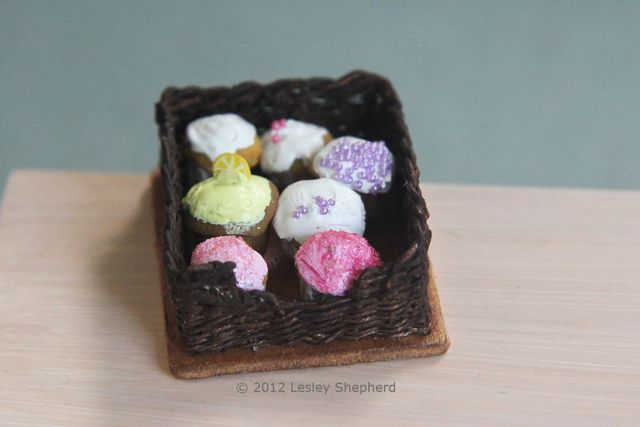 Weave a Wood Bottomed Miniature Pastry Basket or Simple Woven Drawer: Weave a Miniature Wicker Pastry Basket in Dolls House Scale