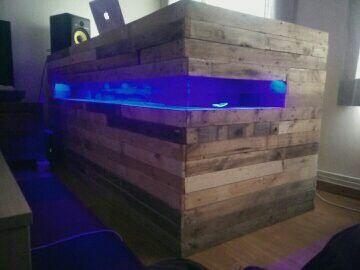 Dj Meubel Huren : Diy dj booth record collection room in dj