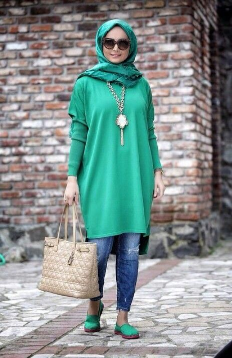 green long tunic hijab look, Modest street hijab fashion…