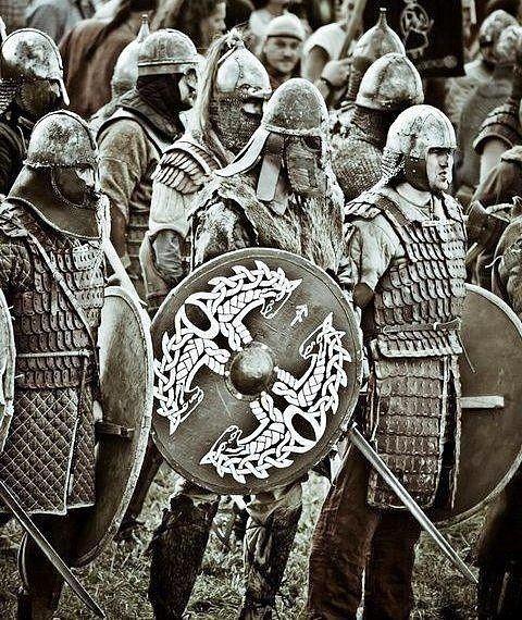 #pagan #norse #vikingstyle #viking #vikings #vikinglife #pagans #norseman #heaten #asatru #odin #thor #freya #valhalla #aesir #blackmetal #vikingmetal #berserkers #berserkers #shieldmaiden #valkyrie #vikingage #battlefield  #warrior #sword #thorshammer