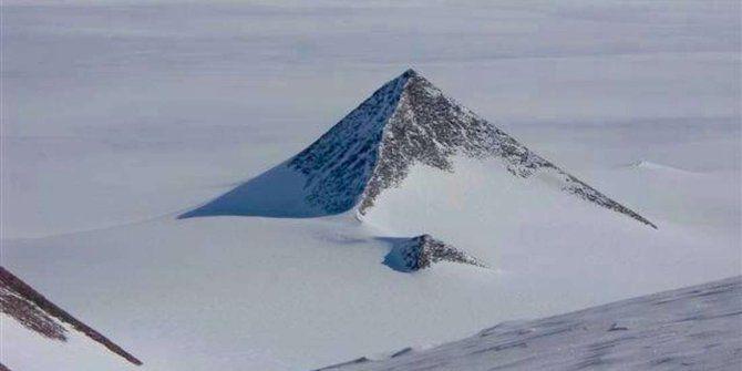 Ada Piramida Di Antartika, Ini Penjelasannya Tanpa Teori Konspirasi! - http://darwinchai.com/pengetahuan/iptek/ada-piramida-di-antartika-ini-penjelasannya-tanpa-teori-konspirasi/