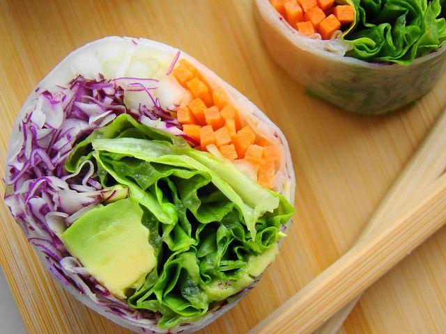 ご飯じゃなくて野菜を巻く手づかみで食べられる新発想のサラダロール