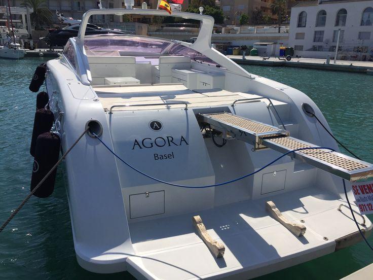 Open Motor Yacht Alfamarine 50 von 1995 auf Mallorca zu verkaufen 2 MTU Motoren mit je 770 PS bringen 30 Knoten Fahrt mit vollem Fahrkomfort. Preis 135.000€  Die Open Motor Yacht liegt auch bei der Geschwindigkeit noch ruhig im Wasser. Solarium auf
