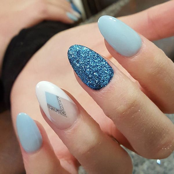 Excellent combination of colors with blue glitter gel nail on the middle and interesting franch on ring finger. It can definitely be combined and with other colors as you like.
