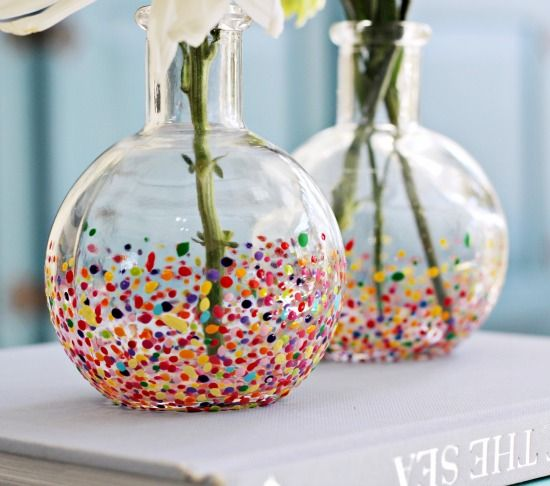 DIY Anthropologie-Style Confetti Vases from @Cassie {Hi Sugarplum}. This is an awesome and easy gift idea from dad and the kids for mom! All you need are glossy acrylic craft paint, glass bud vases and toothpicks. After baking the vases in the oven and letting them cool down, place one or two elegant flowers in the vases. Also, a cute finishing touch on mom's breakfast in bed tray!