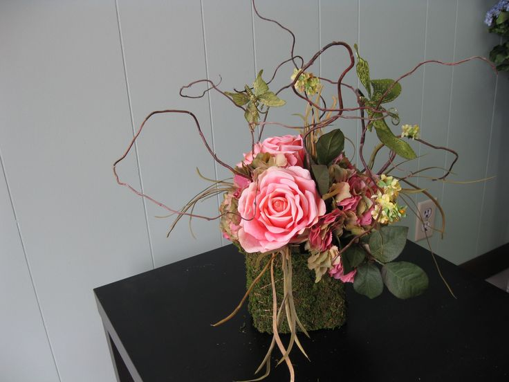 enchanted forest centerpiece ( I really like how it's different but still makes you think of a forest)