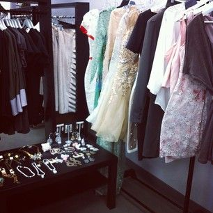 Peek behind the scenes of today's shoot with jewels from @theblackboxboutique