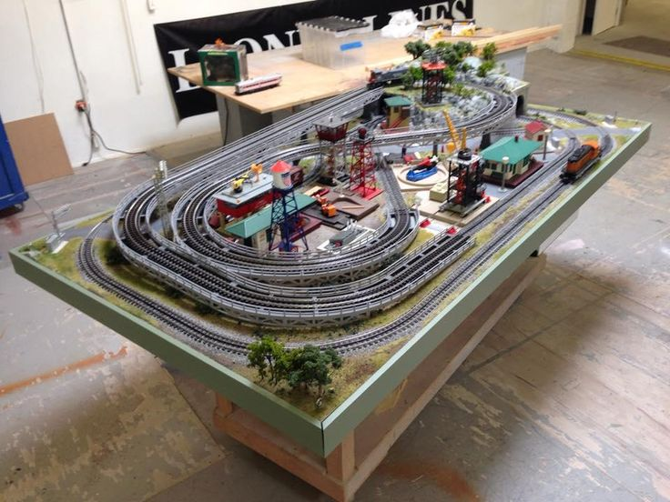 Model Train Tables : Lionel dealer display layouts factory and postwar