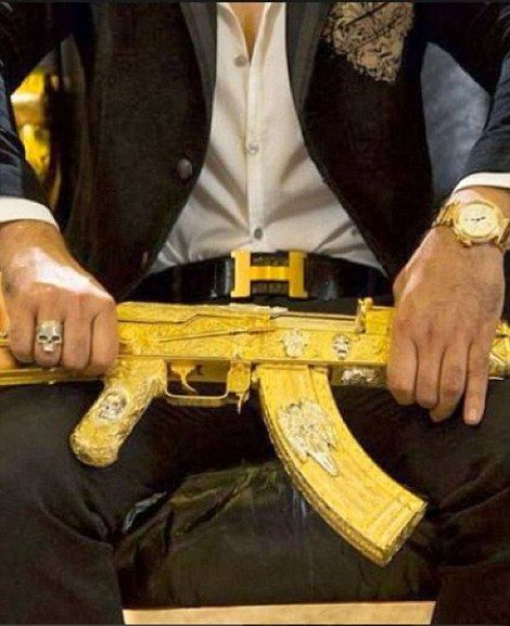 Mexican cartels show off their lavish lifestyles on Instagram #dailymail