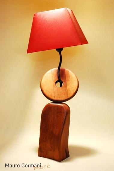 ANTHEA - Lampada da tavolo in legno  di quercia e ferro, realizzata completamente a mano con design esclusivo,  cavo di alimentazione a treccia rivestito in tessuto, pezzo unico, il prezzo si intende escluso di  paralume ordinabile separatamente. http://www.maurocormani.it/design/lampade-scultura/anthea