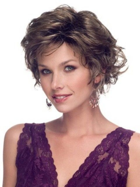 Wavy Short Hairstyles for Older Women Above 40 and 50