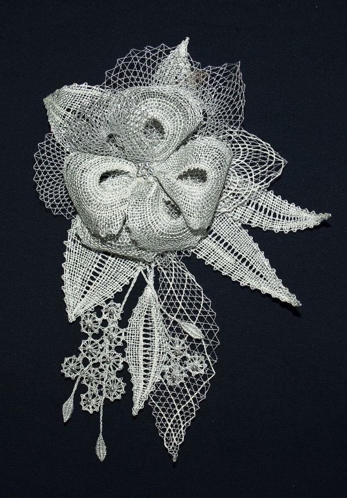 Odznaky/Brošne - Brošňa kvetinka,strieborná - 1217677