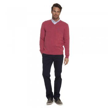 This pink Magee jumper is a key 2014 seasonal colour and will certainly brighten up your Spring wardrobe. We use melange yarns for colour and textural interest. Features include - v-neck, rib cuff and hems and a contrasting embroidered wolfhound on the chest.