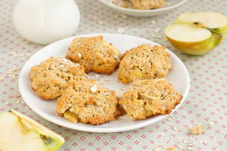 Не знаєте, що іще приготувати з яблук? Пропонуємо дуже швидкий і простий рецепт смачної випічки. Печиво виходить ароматним, ніжним і розсипчастим. Приготуйте, це дійсно смачно і корисно. Похрумкотіть усією родиною.        Якщо вам сподобався рецепт швидкого яблучного печива, будь ласка