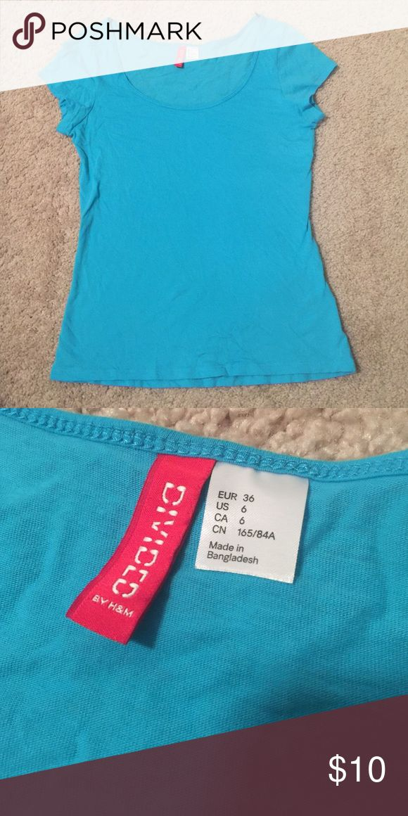 H&M Basic T-shirt! H&M basic t shirt! Great condition. Not faded. Size 6 H&M Tops Tees - Short Sleeve