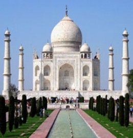 The popular Golden Triangle of India covers Delhi , Agra , Jaipur.