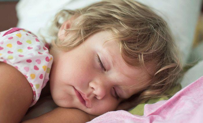 Onderzoek: zoveel slaap heeft je kind ongeveer nodig